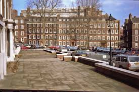 King's Bench Walk  Inner Temple London  | https://commons.wikimedia.org/wiki/File:King%27s_Bench_Walk,_Inner_Temple,_London-geograph-4828836-by-Anthony-ONeil.jpg