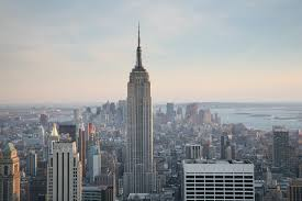 Empire State Building New York City | https://commons.wikime dia.org/wiki/File:NYC_Empire_State_Building.jpg