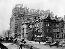 Waldorf - Astoria 1899 | https://commons.wikimedia.org/wiki/File:Waldorf_Astoria_1899.jpg