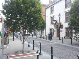 Library, Pearse Street, Ballina | https://commons.wikimedia.org/wiki/File:Ballina_library,_Pearse_St._Ballina,_Co_Mayo,_Ireland.jpg