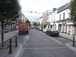 Pearse St. Ballina | https://commons.wikimedia.org/wiki/File:Pearse_St._Ballina,_Co_Mayo,_Ireland.jpg
