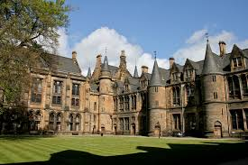 Glasgow University | https://commons.wikimedia.org/wiki/File:Glasgow_University_3.jpg 2009 by Mike Peel