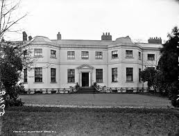 Frascatti House Blackrock, Co. Dublin | https://commons.wikimedia.org/wiki/File:Frescati_House,_Blackrock_(28672258262).jpg