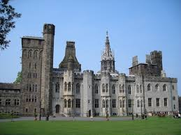 Cardiff Castle | https://commons.wikimedia.org/wiki/File:Cardiff_Castle.JPG