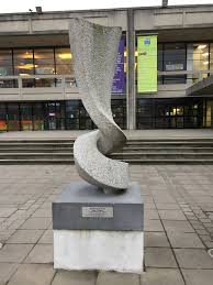 UCD Sculpture | https://commons.wikimedia.org/wiki/File:Iphegenia_-_sculpture_on_UCD_campus.jpg