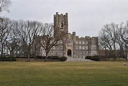 Fordham University | https://upload.wikimedia.org/wikipedia/commons/1/1c/Fordham_University_02.JPG