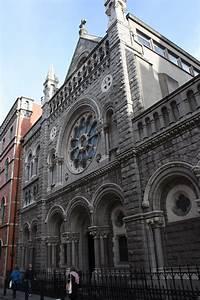 St. Teresa's Church, Clarendon St. Dublin |  https://commons.wikimedia.org/wiki/File:Clarendon_Street_Church,_Dublin,_October_2010.JPG