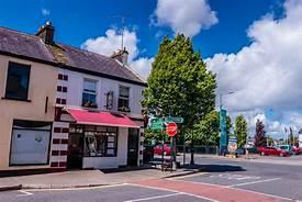 Crossmolina, Co. Mayo by Mike Kinsella 2017 | https://commons.wikimedia.org/wiki/File:A_street_in_Crossmolina,_County_Mayo,_Ireland.jpg