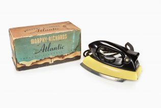 Morphy Richards iron and packaging