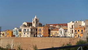 Termoli, Province of Campobasso 2016 trolvag, | https://commons.wikimedia.org/wiki/File:86039_Termoli,_Province_of_Campobasso,_Italy_-_panoramio_-_trolvag_(3).jpg