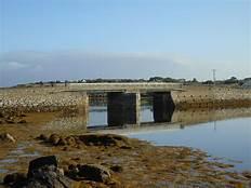 Bealadangan Bridge, Co. Galway 2018 Newberrt 12   https://commons.wikimedia.org/wiki/File:County_Galway_-_Bealadangan_Bridge_-_20180903083119.jpg