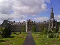 St. Patrick's College, Maynooth 2009  | https://commons.wikimedia.org/wiki/File:Maynooth_St._Patrick%27s_College_2009_05_03.jpg