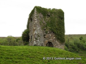 Ballinglen Castle ruins, Ballycastle, North Mayo | https://goldenlangan.com/ballinglencastle.html