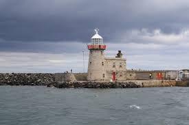 Howth Lighthouse, Co. Dublin | https://commons.wikimedia.org/wiki/File:Light_House_At_Howth_Harbour,Dublin,Ireland_-_panoramio.jpg