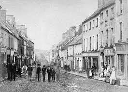 Main Street Castlebar, Co. Mayo | https://commons.wikimedia.org/wiki/File:Main_Street,_Castlebar,_Co._Mayo_(5785938352).jpg