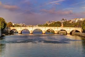 Pont Neuf Seine Paris.   https://commons.wikimedia.org/wiki/File:Pont_Neuf_Seine_Paris_France_-_creative_commons_by_gnuckx_-_panoramio.jpg