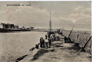 Postcard depicting Mullaghmore Harbour | Public domain