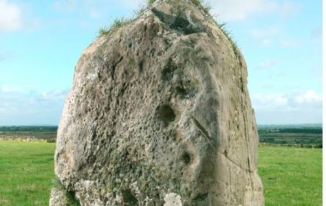 Cloonkeen solitary standing stone