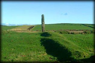 Foghill Standing Stone 2004 by Jim Dempsey | https://www.megalithicireland.com/Foghill%20Standing%20Stone,%20Mayo.html