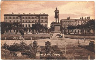 Postcard of Lord Dunkellin Monument, Eyre Square, c. 1910. | Courtesy of Brendan McGowan.