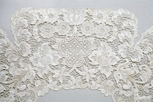 Object No. 86. Youghal lace collar, 1906 | National Museum of Ireland - Decorative Arts & History