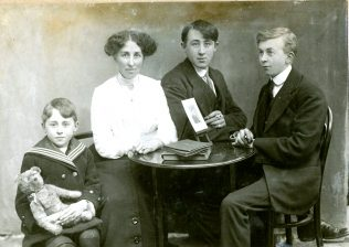 Bartnett family photograph: Archibald, Franny (mother), Joseph Thomas & Henry, c. 1912. | Courtesy of Carol Louise Flanagan.