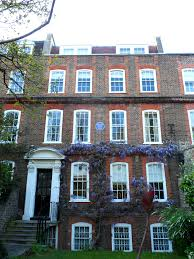 Graham Green's home 14 Clapham Common, North side London | commons.wikimedia.org