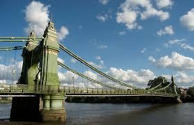 Hammersmith Bridge | commons.wikimedia.org