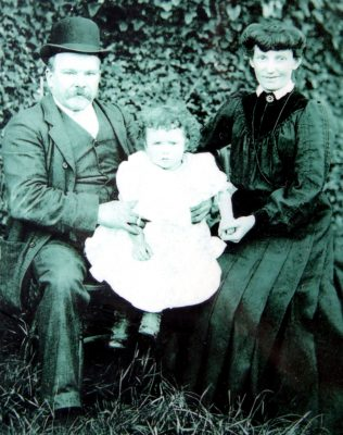 Baby Margaret with parents, Thomas and Alice | Vincent Devally