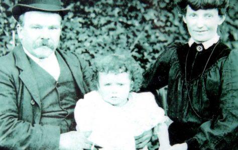 Athenry. An tOllamh Mairéad Ní Éimhigh-Professor Margaret Heavey