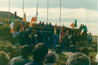 On Sunday 16th November in honor of the 27th Anniversary of his death, The International Brigade raised a flag at his grave in Slievemore | Achill Link Magazine 2015