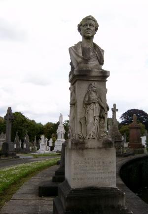 Sir John Gray's Grave in Glasnevin | https://en.wikipedia.org/wiki/John_Gray_(Irish_politician)