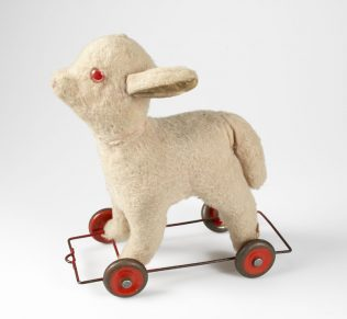 Larry The Lamb | National Museum of Ireland
