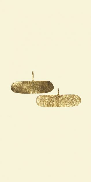 Object No. 6. Basket earrings, c.2300BC | Salisbury & South Wiltshire Museum