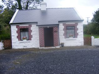 Railway Cottage similar to Molloys | Patsy Jordan