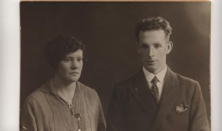 Wedding Photo of Jack Connolly  and Roseanne Kilroy | Mary Jo Kearns