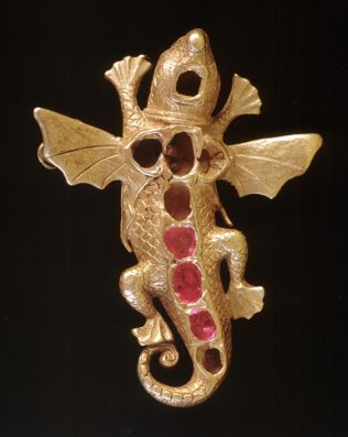 Object No. 57 Salamander pendant, c.1588 | Ulster Museum, Botanic Gardens, Belfast.