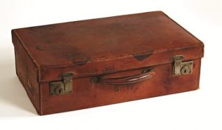 Object No.95 Emigrant's suitcase, 1950s | National Museum of Ireland - Country Life