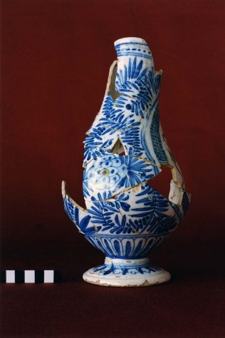 Portugese Faience Vase. | Courtesy of the Galway Excavations Project School of Geography & Archaeology, NUIG & National Museum of Ireland